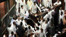 1544579537-Sri-Lanka-parliament-scuffle_L